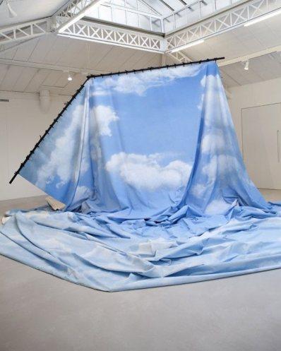 La dépossession (2014) by Latifa Echakhch