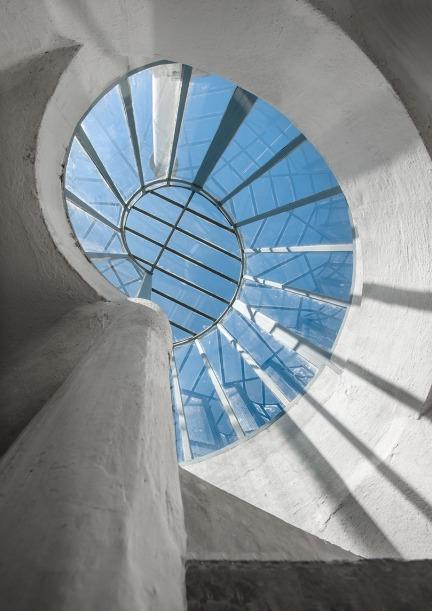 Le scale a chiocciola che portano sul tetto della E-1027