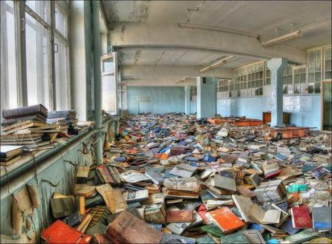 Libreria abbandonata in Russia
