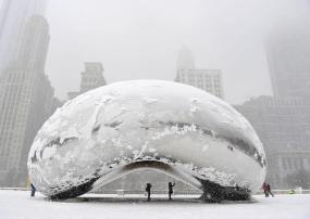 "Frozen ""Cloud Gate"" (The Bean) by Anish Kapoor @ ChicagoFrozen ""Cloud Gate"" (The Bean) by Anish Kapoor @ Chicago"