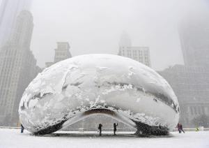 """Frozen """"Cloud Gate"""" (The Bean) by Anish Kapoor @ ChicagoFrozen """"Cloud Gate"""" (The Bean) by Anish Kapoor @ Chicago"""