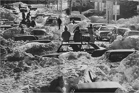6 febbraio 1978, una tempesta di neve scarica 50+ pollici di neve su Boston città in soli 2 giorni