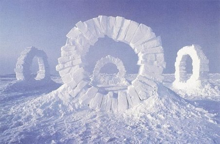 Andy Goldsworthy – Touching North, 1989, North Pole