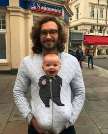 (Father Joe Wicks with his adorable daughter)