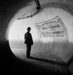 British Museum Underground Station, Londra, 1937
