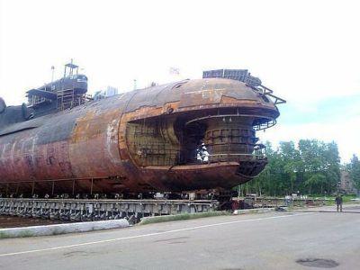 La prua del sottomarino russo K-84 Yekaterinburg (Delta IV SSBN) dopo l'incendio del 2011