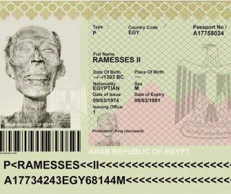 Nel 1974, il leggendario faraone Ramesse II ricevette un passaporto egiziano valido in modo che la sua mummia di 3000 anni potesse essere portata a Parigi per la riparazione necessaria