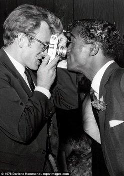 James Dean e Sammy Davis Jr. a Villa Capri, 1955
