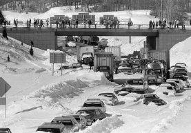L'8 febbraio 1978, il nordest degli Stati Uniti ha iniziato a scavare dopo una bufera storica