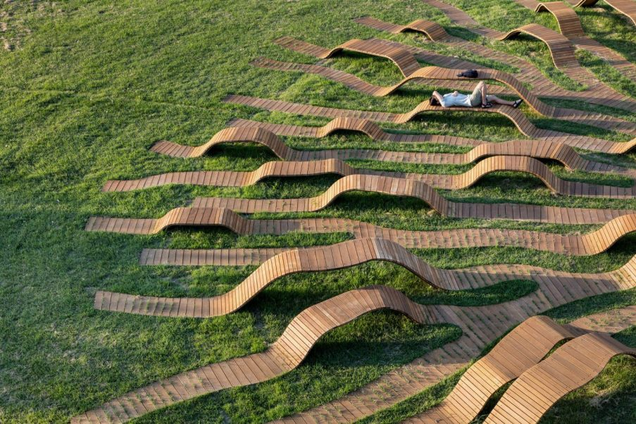 Root Bench by Yong Ju Lee. Photography by Kyungsub Shin