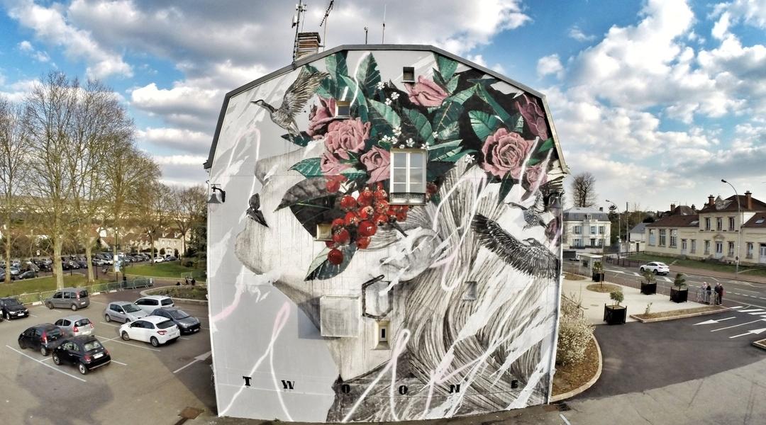 Twoone @Verneuil-sur-Seine, France