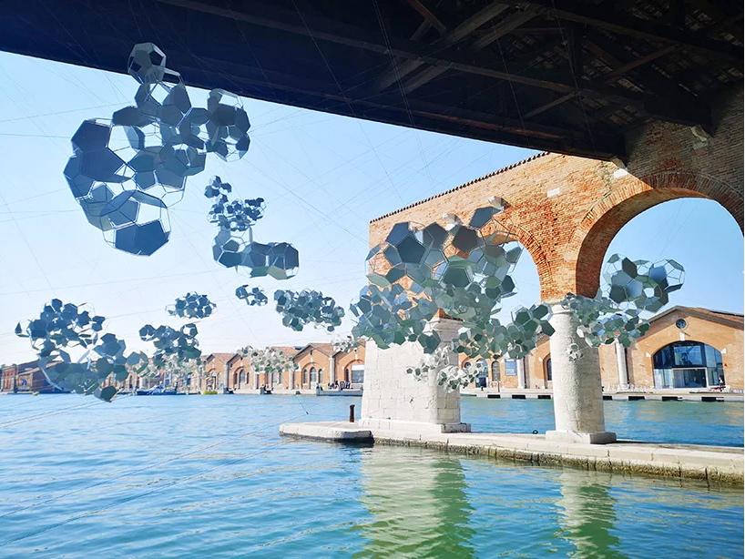 Aero(s)cene by Tomás Saraceno @ Biennale Arte 2019