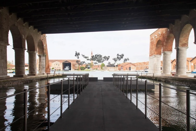 Aero(s)cene by Tomás Saraceno @ Biennale Arte 2019 - A view at the 'on the disappearance of clouds' installation