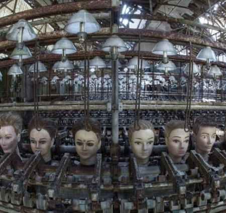 Fabbrica di bambole abbandonata in Spagna