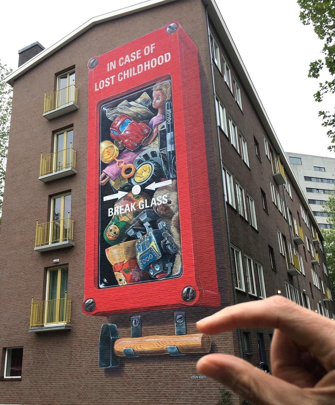 Streetart – Leon Keer @ Amsterdam, Netherlands