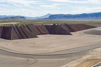 Michael Heizer, 'Complex Two, City', (1970-ongoing) | Image © Michael Heizer/Triple Aught Foundation. Photograph by Eric Piasecki