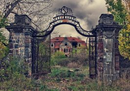 Overgrown Palace, Polonia
