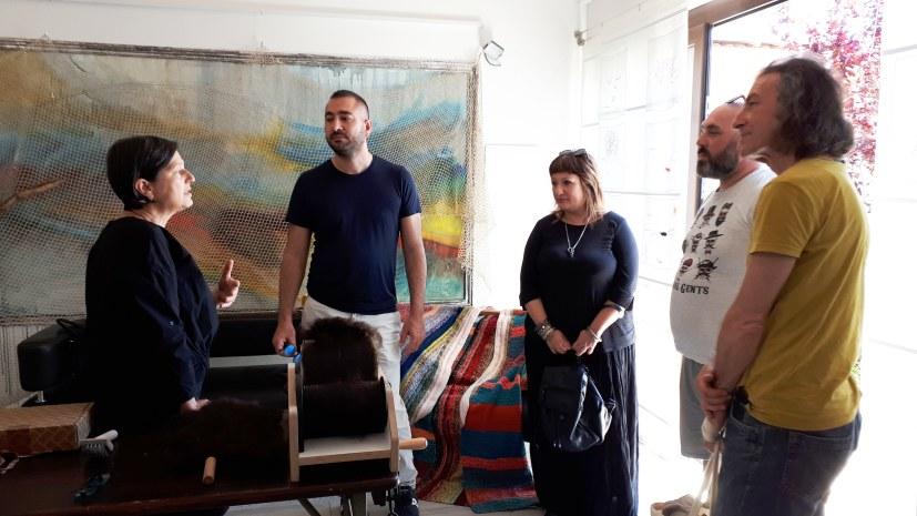"""Festival Sant'Arte a San Sperate - L'artista Pietrina Atzori ci parla del suo """"studio aperto"""" e di ciò che Pinuccio Sciola le ha insegnato e lasciato in eredità..."""