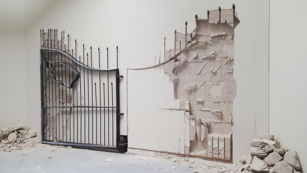 Untitled (2009) by Shilpa Gupta @ Biennale Arte 2019