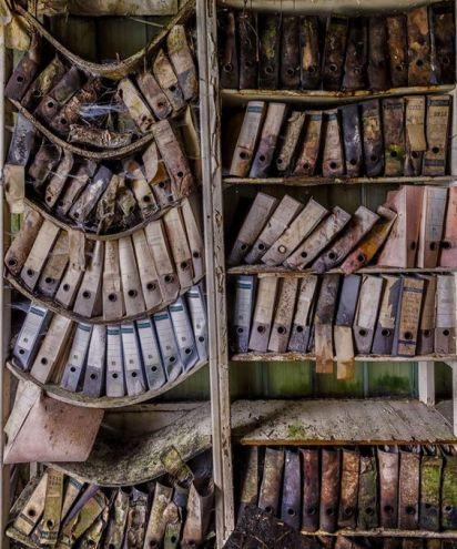 Libreria in forte disuso