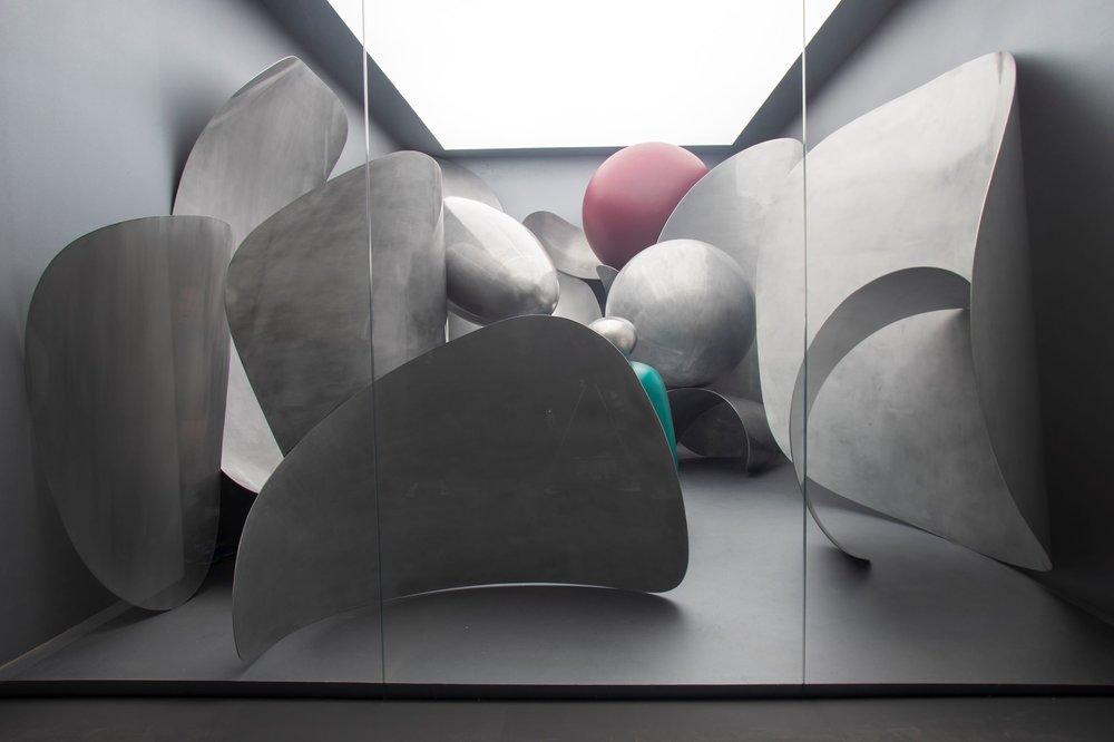 Liu Wei, Microworld, 2018; Aluminium plates.Photo by: Italo Rondinella. Courtesy: La Biennale di Venezia