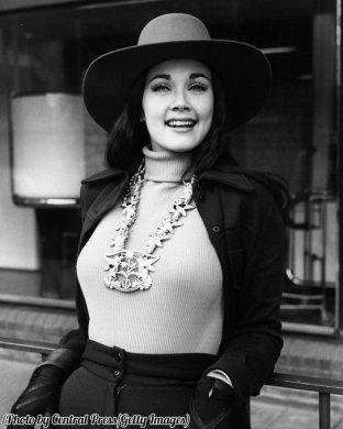 Miss USA Lynda Carter, a Londra, nel 1972
