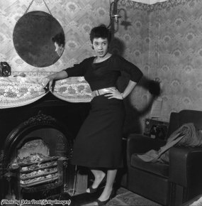 Shirley Bassey, Galles, 1955