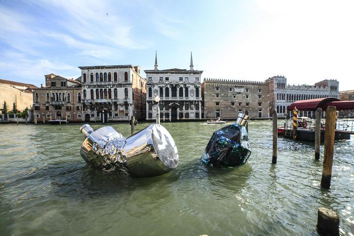 """Twin Bottles"" by Helidon Xhixha e Giacomo Jack Braglia"