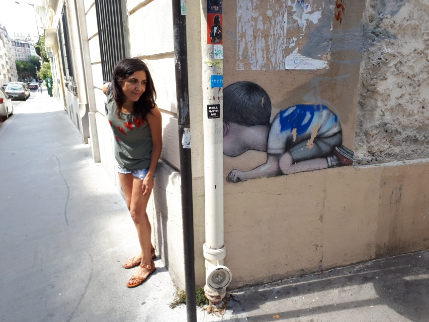 In fondo siamo tutti bambini... Street art by Seth Globepainter