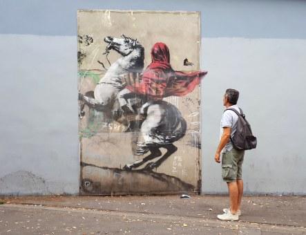 Street art - Banksy: Red horseman @ Avenue de Flandre, Paris