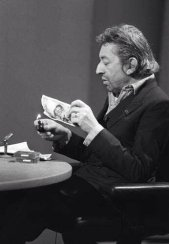 11 marzo 1984, Serge Gainsbourg brucia un biglietto da 500 franchi in diretta televisiva