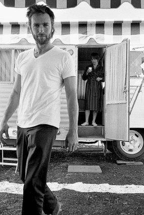 Clint Eastwood e Shirley MacLaine sul set di 'Two Mules for Sister Sara', 1969