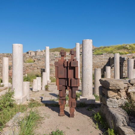 Connect (2015) by Antony Gormley @ Sight exhibition on Delos