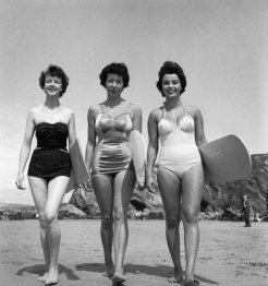 Donne surfiste, 1955