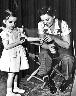 Judy Garland con sua figlia Liza Minnelli, 1951