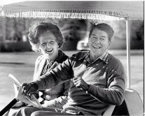 Margret Thatcher e Ronald Reagan
