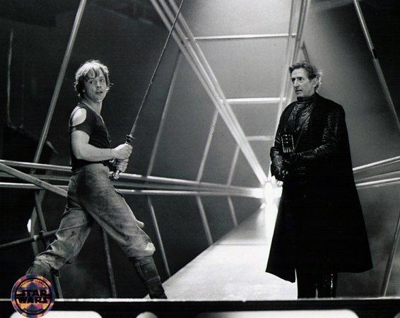 Mark Hamill e lo schermidore olimpico inglese Bob Anderson durante le riprese di Empire Strikes Back