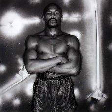 Marvelous Marvin Hagler, pugile campione del mondo, 1981. Fotografia di Anthony Barboza
