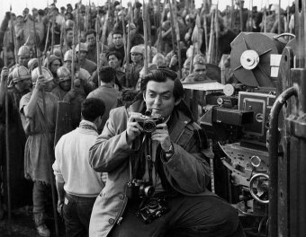 Stanley Kubrick sul set di Spartacus, 1960