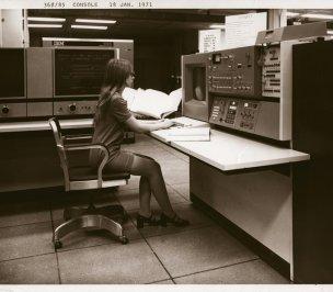 Tecnico informatico donna, 1971