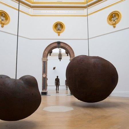 Antony Gormley, Body and Fruit, 1991/93. Installation view, 'Antony Gormley', Royal Academy of Arts, London, 21 September to 3 December 2019.
