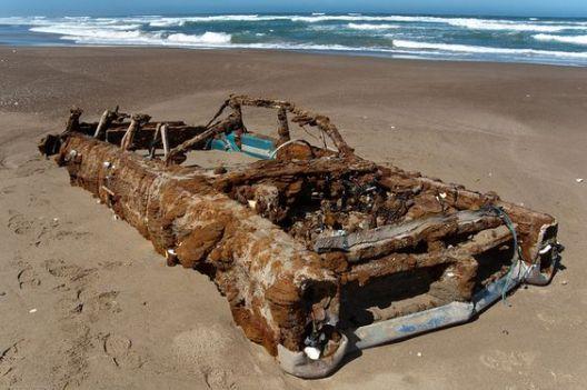 Pontiac Bonneville abbandonata a Morro Bay, California
