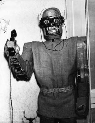 Robot che risponde al telefono