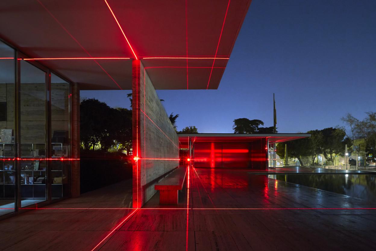 """Geometries of Light"" by Luftwerk, Iker Gil e Oriol Tarragó @ Padiglione tedesco"
