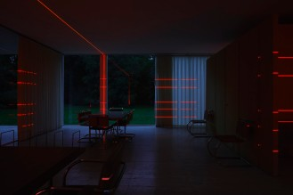 """""""Geometries of Light"""" by Luftwerk, Iker Gil e Oriol Tarragó @ Farnsworth House"""