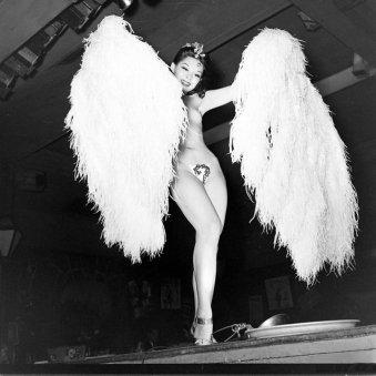 La danzatrice burlesque Noel Toy, 1940s