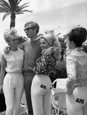 Michael Caine promuove il suo film 'Alfie' a Cannes, 1966