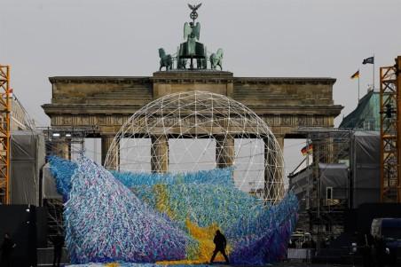 """Visions in Motion"" by Poetic Kinetics @ Berlino"