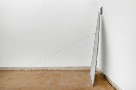 Giovanni Anselmo, vista della mostra, Foto Andrea Veneri