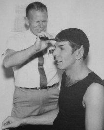 Il taglio di capelli Spock per Leonard Nimoy
